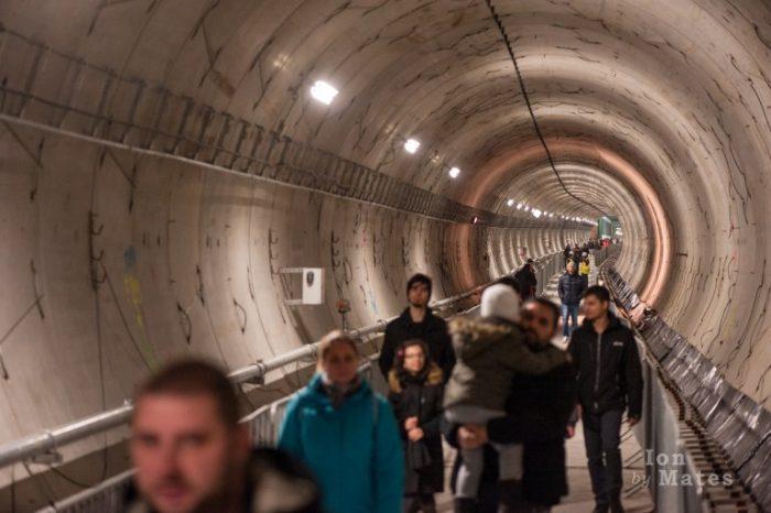 Metrorex tunel subteran oameni
